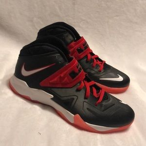 Nike Zoom Lebron James Soldier 8, size 12.5